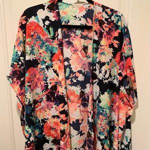 Floral kimono, one size.